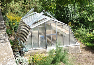 Greenhouse for the kitchen garden below the southern wall