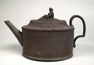 Teapot from black Wedgwood