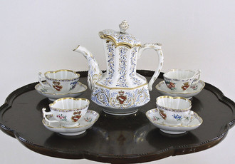 Coffee set with painted and gilt decoration