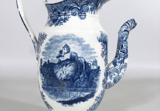 Printed jug – view of the chateau