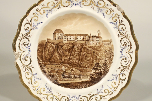Dessert plate with printed view of the chateau
